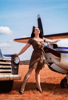pin-ups_and_cars_005
