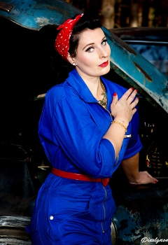 pin-ups_and_cars_015
