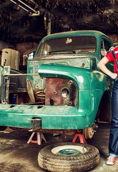 pin-ups_and_cars_016