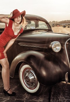 pin-ups_and_cars_021